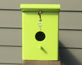 Handmade Keylime Outdoor Hanging Birdhouse