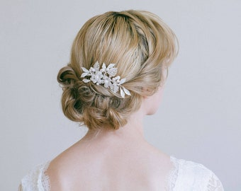 Bridal hair comb, Bridal Headpiece, Vintage hair comb, Flower hair comb, Rhinestone bridal hair comb, Bridal hair accessory