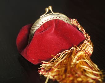Burgundy velvet coin purse with a tassel and clasp Maroon medieval Purse Small Vintage Style Purse Change Purse Coin Purse Wallet