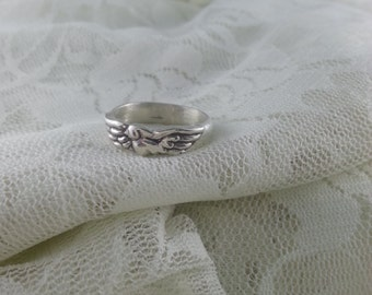 Flying bird ring in sterling silver, silver bird ring, handmade silver ring, soaring bird ring, sterling bird ring, silver dove, love birds