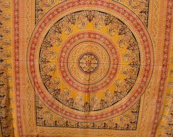 hanging cotton yellow with red black gold India * 2.10 m x 2.20 m * caxhemire - Vintage pattern