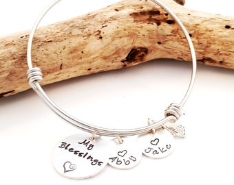 Mom Bangle Bracelet - Grandma Bangle - Expandible Bangle - Personalized Bangle Bracelet - Custom Bracelet- Charm Bracelet- Christmas for her