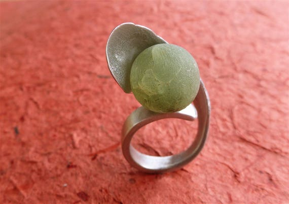 bague boule de prehnite naturelle couleur vert olive clair. Black Bedroom Furniture Sets. Home Design Ideas