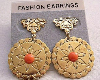 Orange Coral Bead Flower Disc Pierced Post Stud Earrings Gold Tone Vintage Flourish Nail Head Accent Top Large Pinpoint Dangles