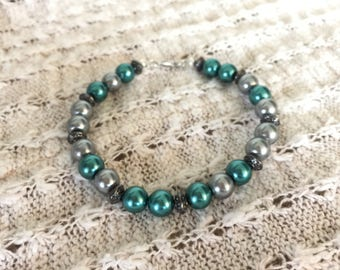Teal and gray pearl bracelet