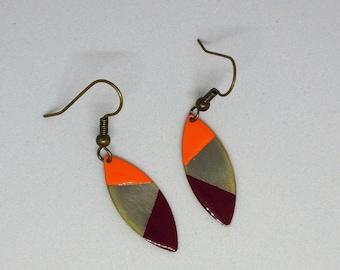 Dangling earrings enamelled orange/Burgundy on brass base hand made/minimalist/bronze/oval
