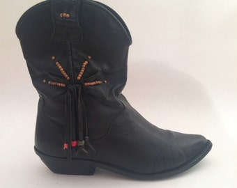 80s Black Cowboy Boots // 1980s vintage boots fringe cowboy boots western boots slouchy boots size 8