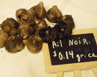 Black garlic from Quebec very moilleux and processed by machine and good health.