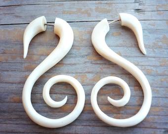 Bone Fake Gauge Earrings White Bone Swan Spirals Tribal Earrings - Gauges Plugs Bone Horn - FG010 B