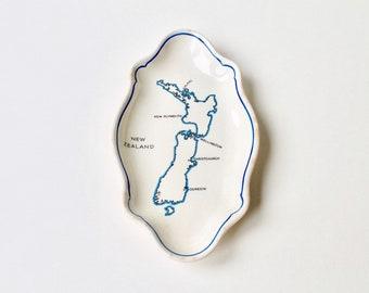 Vintage New Zealand ceramic dish. Decorative New Zealand map dish. North Island, South Island New Zealand map. NZ ceramic tray Royal Doulton