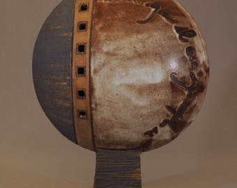 Disc stoneware sculpture