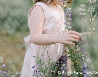 Pearl Flower Girl Bracelet, Gold Flower Girl Bracelet, Girls Bracelet, Flower Girl Gift, Kids Bracelet, Flower Girl Jewelry, Amy Bracelet
