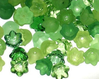 60 Mixed Acrylic Tulip Bell Flower Beads - Shamrocks - 10mm