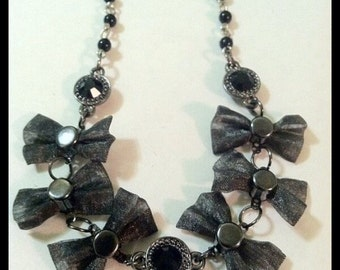 Metal Mesh Bows And Black Crystals Necklace