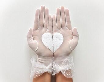 Bridal Gloves, Heart Gloves, Wedding Gloves, Lace Gloves, Wedding Accessories, Bride Gloves, Boho Wedding, Rustic Wedding, Bridal Mitten