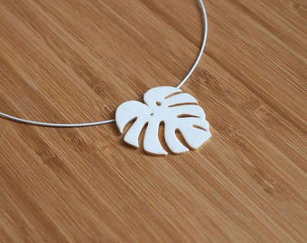 Tropical leaf white Necklace