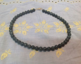 Vintage Varigated Faux Jade Green Beaded choker necklace St Pat Day