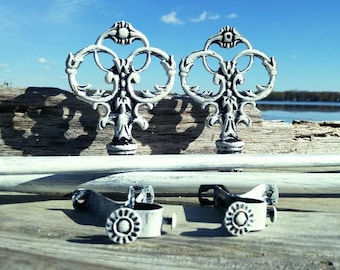 """Courtain Rod, Rod and Finials Set, Shabby Chic Home Decor, 28"""" - 48"""" Long"""