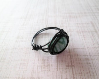 Beaded wire wrap ring, glass bead, size 5.5