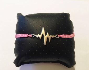 Woven macrame bracelet