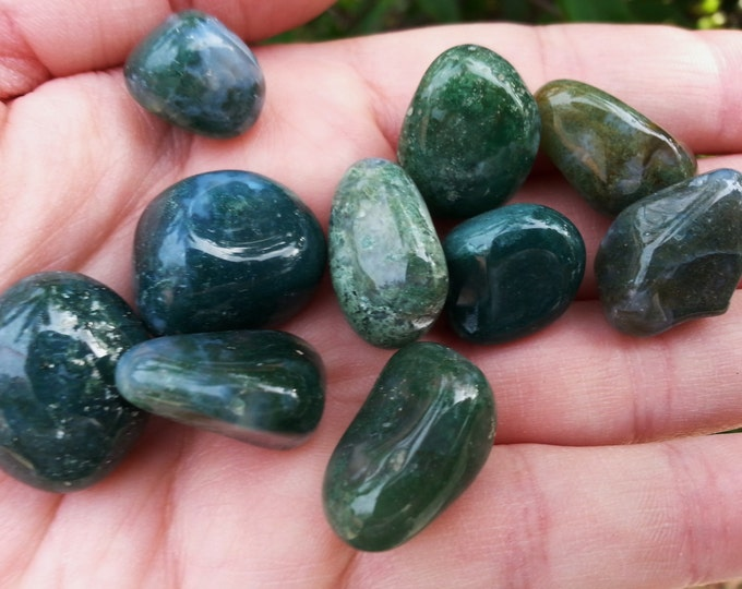 Moss Agate ~ 1 Small Reiki Infused Tumbled Stone