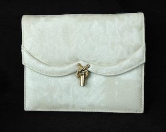 PARISTYLE Elegant Vintage Ivory Cream White Textured Clutch Handbag