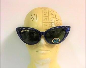 "Vintage Dakota Smith Cat Eye Sunglasses Model 1033 ""Las Vegas"" style inPearl color  Rhinestone Accents - Circa 1983 - Movie Star Frames"