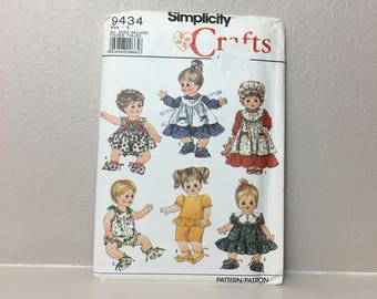 Baby Doll Clothes Pattern from 1989, Simplicity 9434, Six Baby Doll Outfits, Re-born Doll Clothes, UNCUT, Vintage Pattern, Sewing Pattern