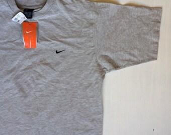 NWT Nike embroidered swoosh tshirt size M