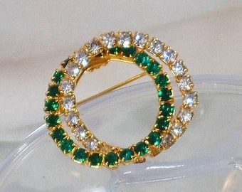 BIG SALE Vintage Emerald Green and Clear Rhinestone Two Circle Brooch. Gold Tone Two Circle Rhinestones Pin.