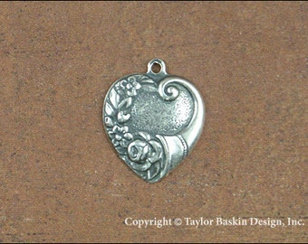Cornucopia Floral Horn Heart Jewelry Charm Finding in Antique Silver Plate (item 321 AS) - 6 Pieces