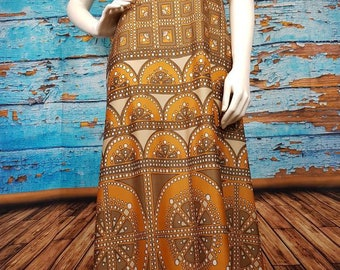 Amazing 70s maxi dress, size 10.