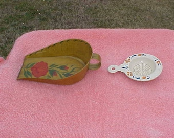 Vintage Kitchen toleware-small scoop and egg separator