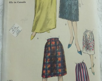 Vintage Mid Century Easy to Make Vogue Pattern 5420 Misses Skirt Waist 24  Inches Factory Fold