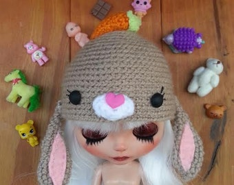 bunny with carrot blythe hat