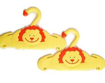 Children's Clothes Hangers Yellow Lions Pansy Ellen Products 1991