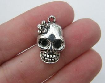 BULK 30 Skull charms antique silver tone HC113