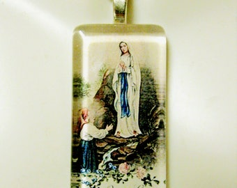 Our Lady of Lourdes pendant with chain - GP01-010