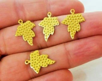 50 Pcs Raw Brass 15 x 19 mm Grape Patterned Metal Flake , Grape Patterned Findings