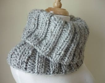 Knit Cowl, Chunky Unisex Cowl,  Ribbed Pattern Cowl, Infinity Scarf, Soft Warm Neck Warmer, Textured Cowl in Grey Marble - Gift for Her
