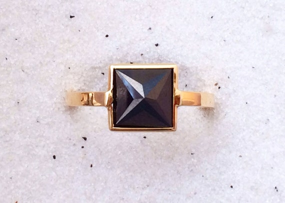 Untreated black diamond and solid 18k gold pyramid ring