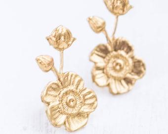 Flower Studs, Gold studs, Flower earrings, Mother's Day earrings, Gold wedding Earrings, Earrings for Mom, Earrings for Wedding