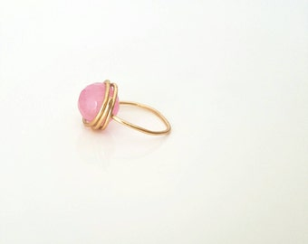 Rose quarts ring / handmade jewellery / wire wrapped ring / gold ring / stackable ring