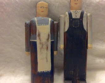 Wolf Creek folk art carvings couple signed by artist Betty Hines. Free ship
