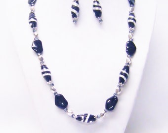 Black/Silver Lamp Work w/Jet Nature Shape Glass Beads Necklace & Earrings Set