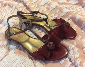 Vintage 60s Burgundy Patent Leather T-Strap Kitten Heels with Bow and Crystal Ball Detail size EUR 40.5 // US 10