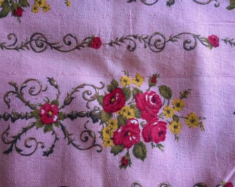 Upholstery old pink printed flowers 130 x 125 coupon