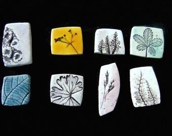 Ceramic ring with leaf imprint