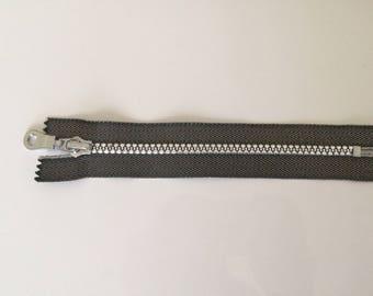 Simple grey argente18 closure cm long