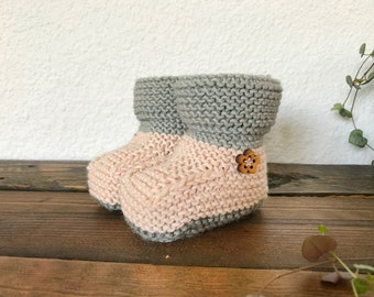 Knitted baby booties, Baby shoes, Newborn baby gift, Baby shower gift, Handmade gift, Baby announcement